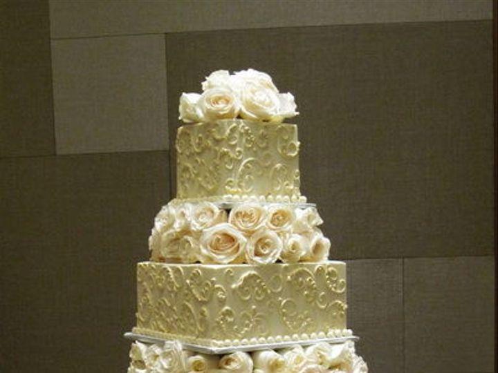 Tmx 1516842574 5e1d399ba12009fd 1516842572 10d3a6ba7de6a13f 1516842559645 23 CDLC063 Renton, WA wedding cake
