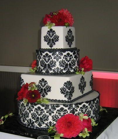 Tmx 1516842576 4fd9fbe5bf136d00 1516842573 5a184cfaaae69e46 1516842559660 24 CDLC064 Renton, WA wedding cake