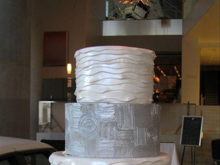 Tmx 1516842590 357a34a3e843ccf6 1516842561 C3a90ebadb2f08c8 1516842559176 1 CDLC001 Renton, WA wedding cake