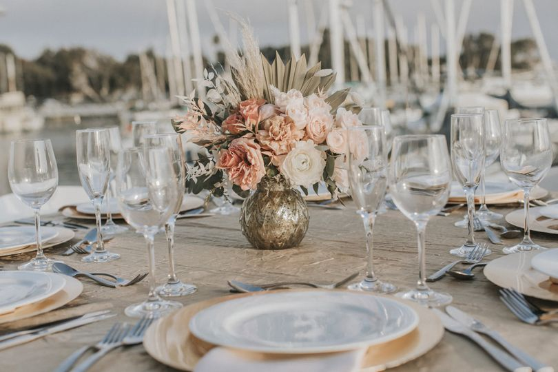 Waterfront table set-up