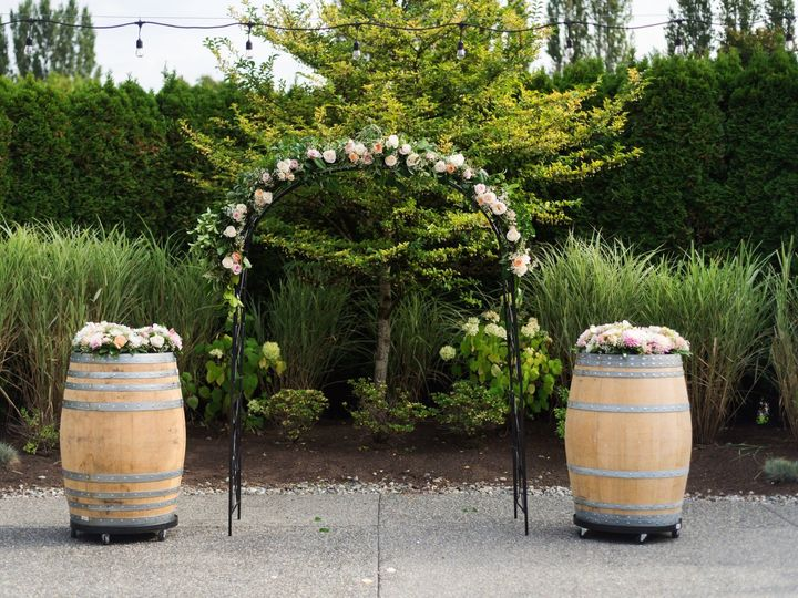 Tmx Arch Front View With Florals 51 116801 1558475333 Woodinville, Washington wedding venue