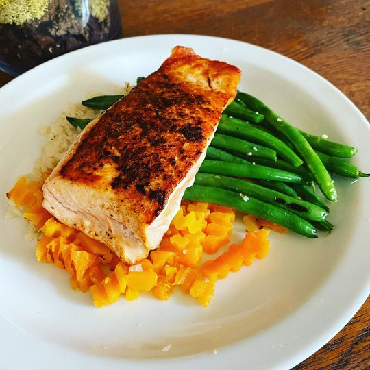 Salmon,sweetpotato,greenbeans