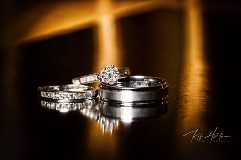 A gorgeous wedding ring set
