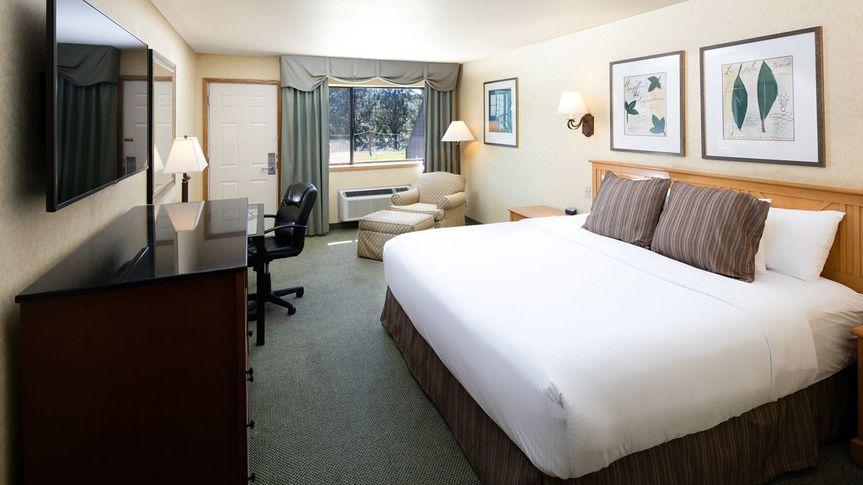 Templin's hotel king room
