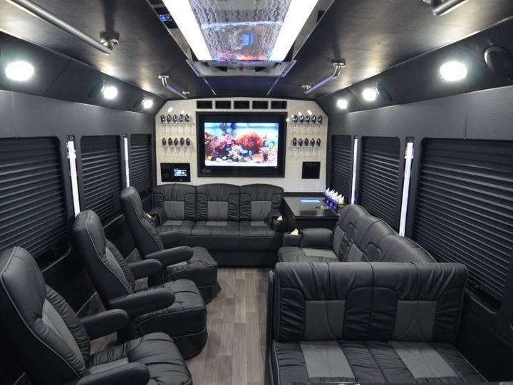 Tmx E450 16psgr Mini Luxury Coach 9 51 705901 Solon, OH wedding transportation