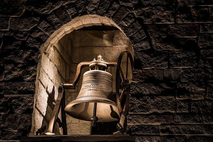 The Bell at Magnolia Bells
