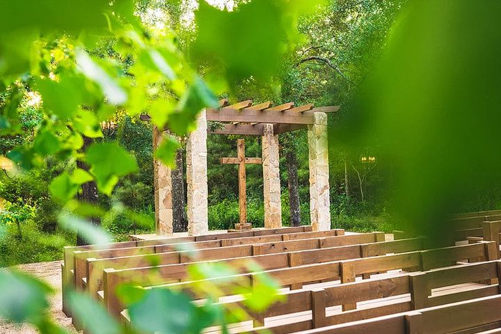 The Oaks Outdoor Ceremony