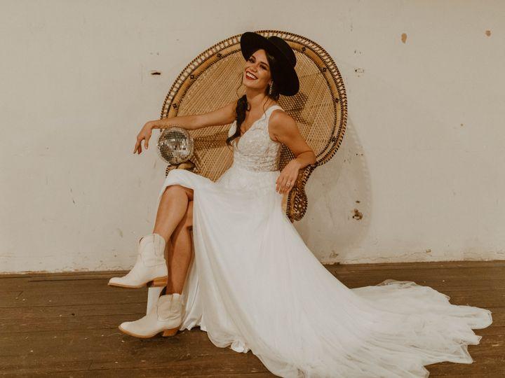 Tmx Img 9081 51 1970011 160280680545114 Waco, TX wedding planner