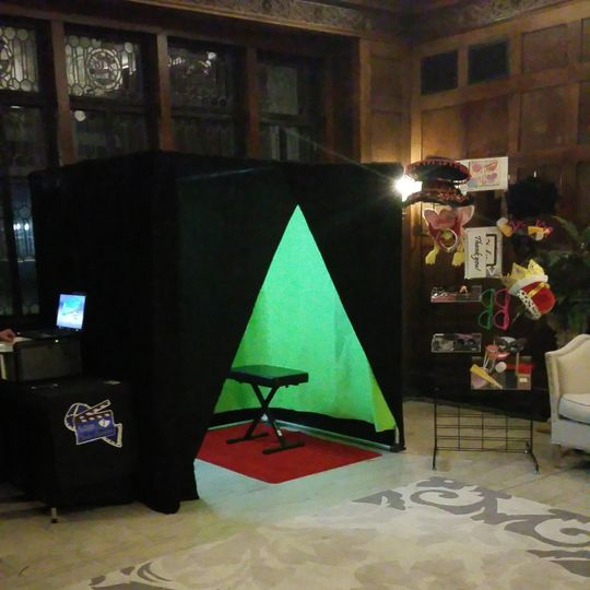 Extra large photo booth