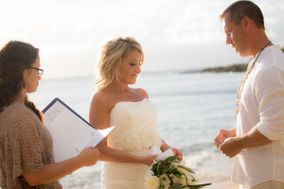 Chrissy Kapoor - Maui Ceremonies