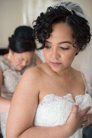 Mother of bride helping