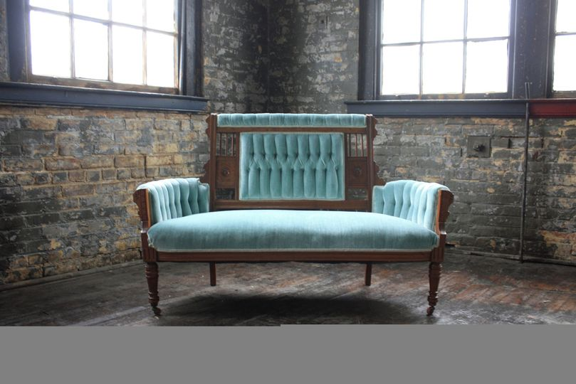 f30ea1cac02ff973 cincinnati vintage event rentals mint velvet settee sofa genevieve
