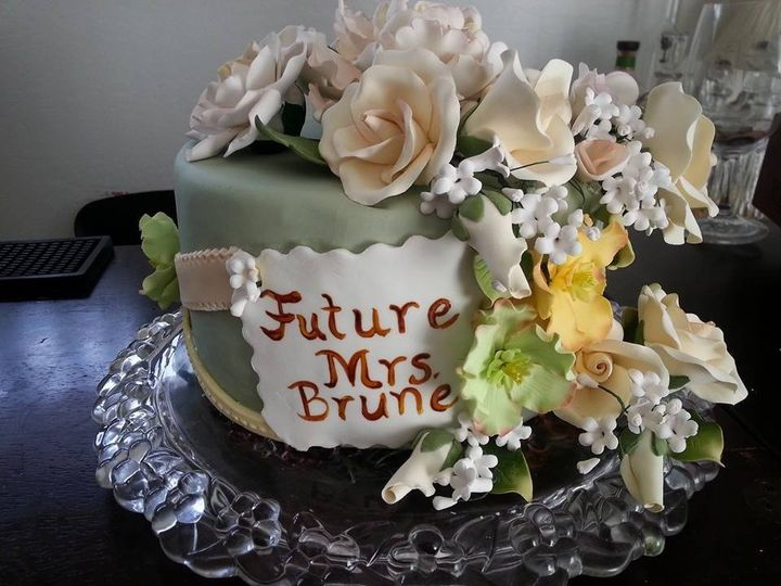 flowers and ribbon shower cake