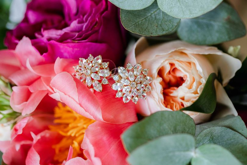 Bouquet and Earring Details