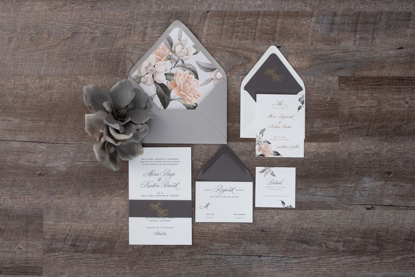 Floral luxury wedding invitati