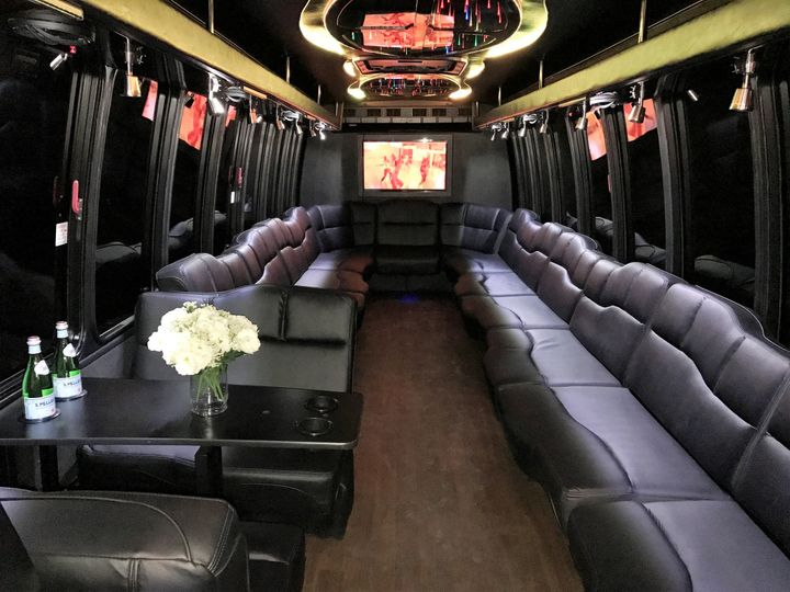 Tmx 1486144007934 Limobus1 New Castle wedding transportation
