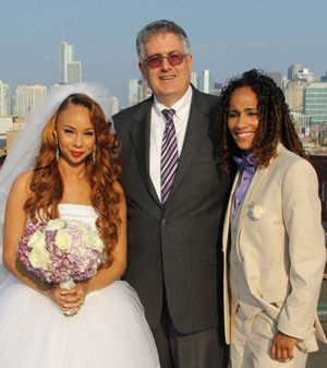 You can make out the skyline of Chicago in the background of this west-loop wedding