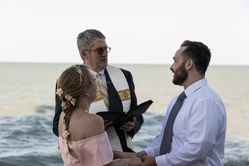 Another Lake Michigan wedding, this one on the Loyola Campus in Rogers Park, Chicago.