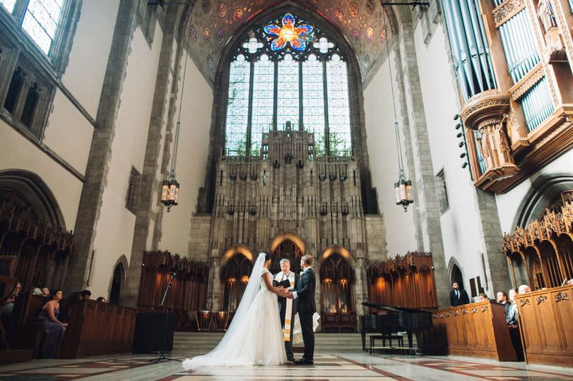 The Rockefeller Chapel at University of Chicago was the site for this beautiful June wedding.