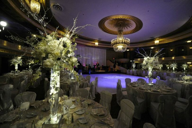 Table with decorated floral centerpiece