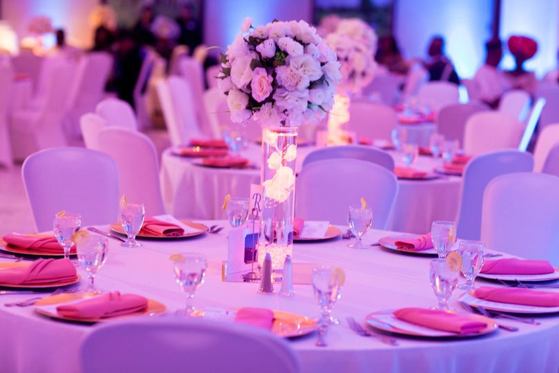 1cb90bf3b007b4b3 1412564791519 wedding reception table 2