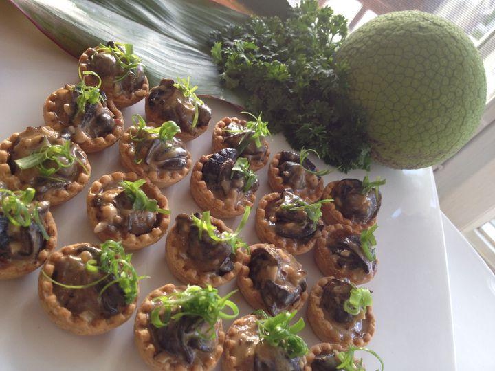 Mini Escargot Tart with Roasted Garlic Chili Ginger Cream