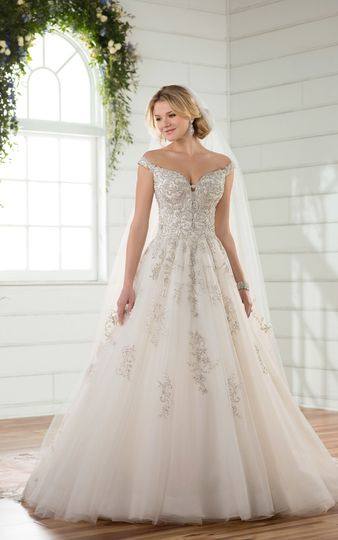 Belle Vogue Bridal - Dress & Attire - Overland Park, KS - WeddingWire