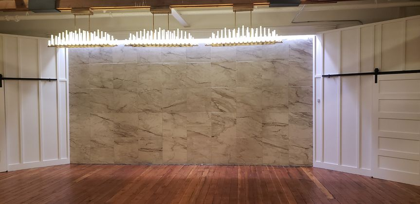 Head table wall