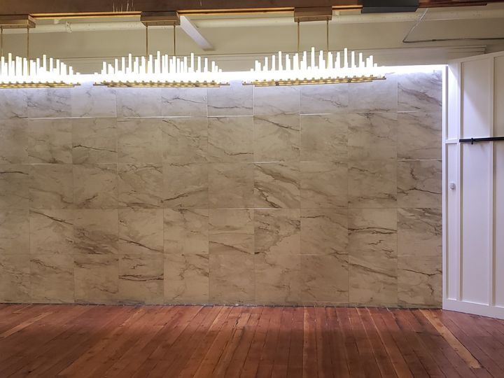 Tmx Opal Head Table With Lighting 51 1866111 158955425551411 Grand Forks, ND wedding venue