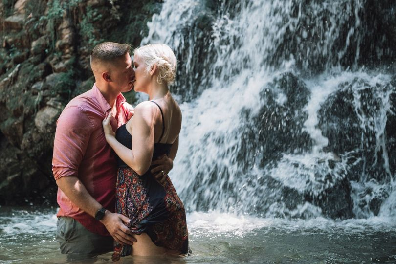 waterfall photography 51 1067111 1559695867
