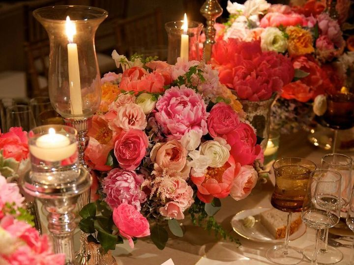 Tmx 1530640927 F7af45df9c86c564 1530640926 D7abc5e8b31ecf7d 1530640923073 10 11141732 10153249 Grand Rapids, MI wedding florist
