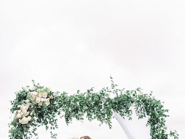 Tmx 1530640929 434fa4d486700122 1530640928 B56d002a88dffee1 1530640923082 16 IMGL0076 Preview Grand Rapids, MI wedding florist