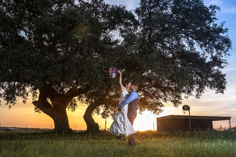 sunset wedding photography pleasanton texas