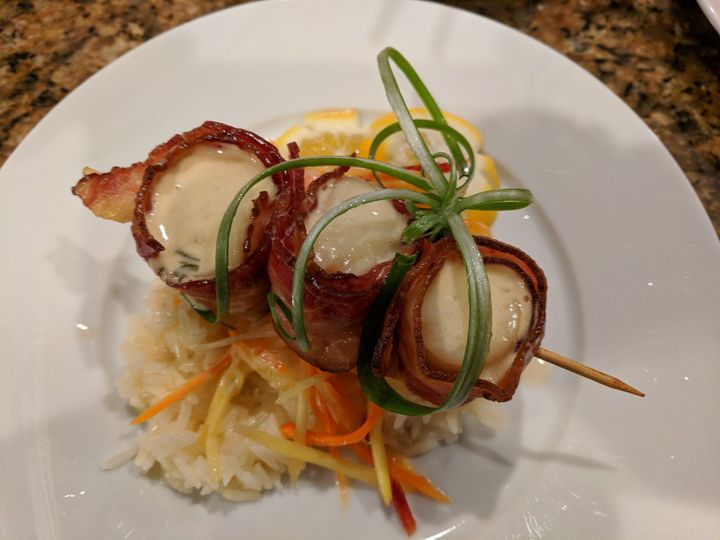 Bacon wrapped sea scallops appetizer