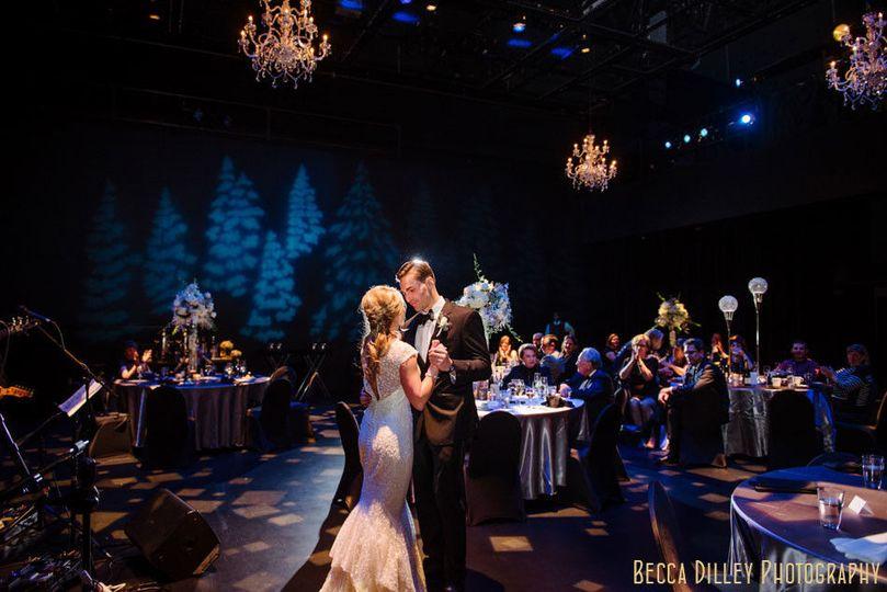 0e3b569bab987a38 1510878660107 winter wedding minneapolis guthrie theater 080