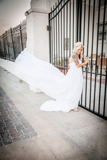800x800 1485001610409 liz scavilla photography weddings10