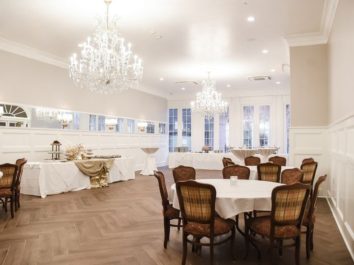 Tmx Royal Court Cocktail 51 444211 158135663924476 New Orleans wedding venue