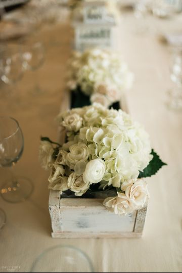 hand made rustic floral box and floral arrangement  photo by emilyvistaphotography-hudson valley