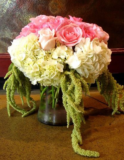800x800 1247505778265 weddingcenterpieces