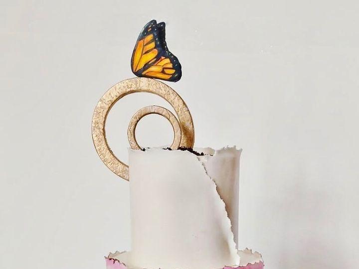 Tmx 57663974 2409614595718138 5261916888488738816 O 2 51 1059211 1555947624 Ellicott City, MD wedding cake
