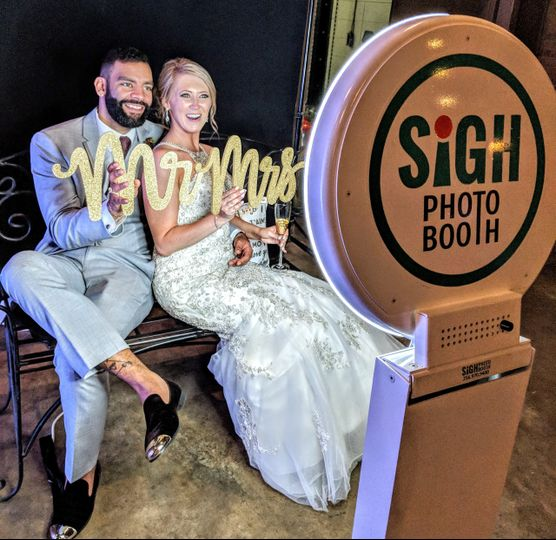 Photo booth wedding signage