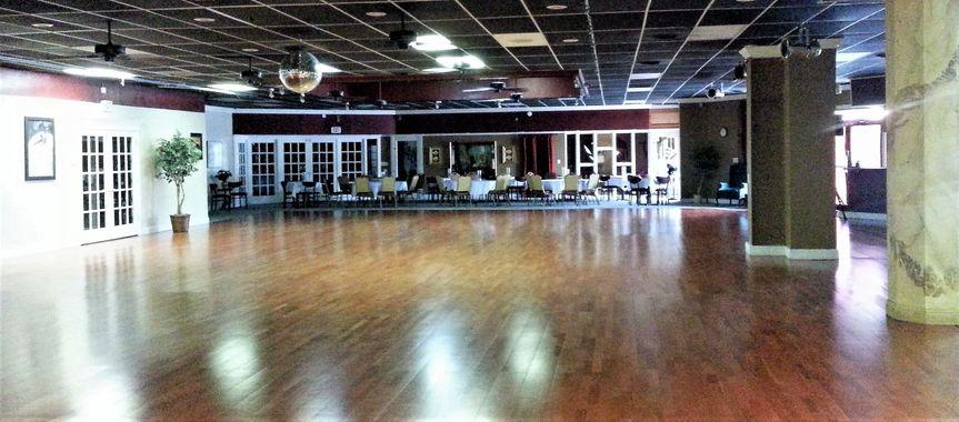 a27751e5d31ece2c dance floor seating crop