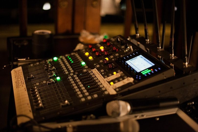 sound board cafe brauer stu 1 40