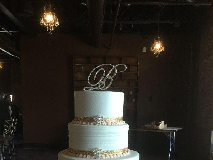 Tmx 1533755639 Cb8b4fee763c76dc 1533755638 C65932aa2bad18a4 1533755631329 1 IMG 0610 Fishers wedding cake