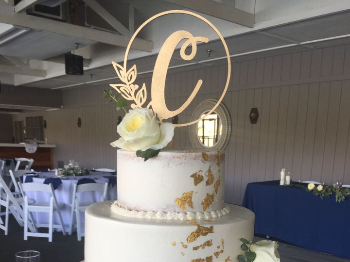 Tmx 1533755641 31c2702a45a8c9f0 1533755638 A0ffe29e589158ac 1533755631331 4 IMG 0352 Fishers wedding cake
