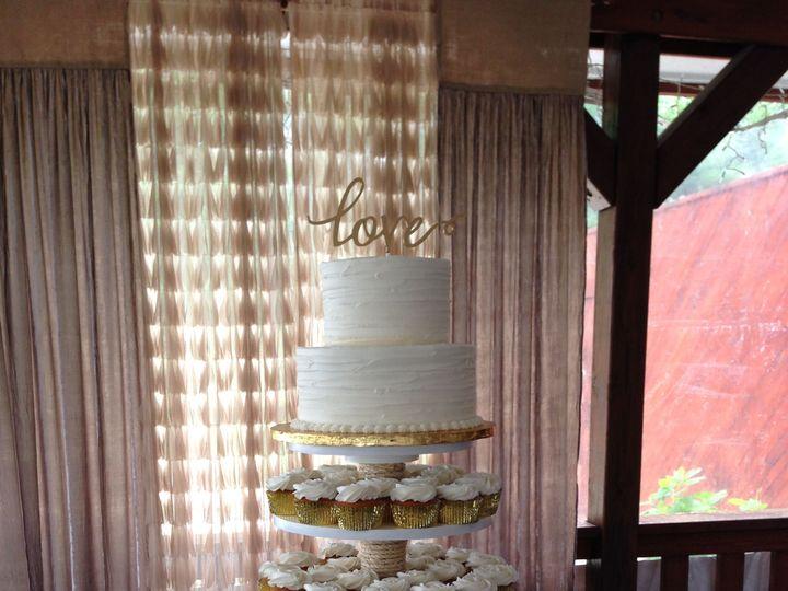 Tmx 1533755929 73846388a66e1f6d 1533755926 5fde1fcf92463d0b 1533755913416 11 IMG 2283 Fishers wedding cake