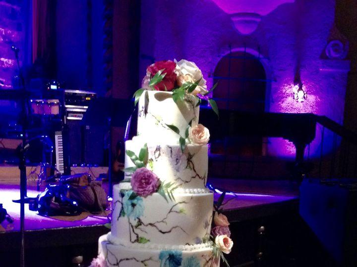 Tmx 1533755929 92d5f5916ec6a320 1533755925 37b9818f2448a65d 1533755913414 8 IMG 1855 Fishers wedding cake