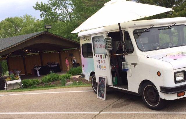 Truck/Outdoor Venue
