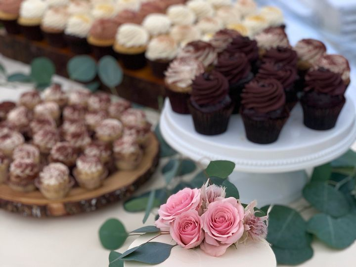 Tmx Img 7030 51 695311 158360520259509 Wolfeboro Falls, NH wedding cake