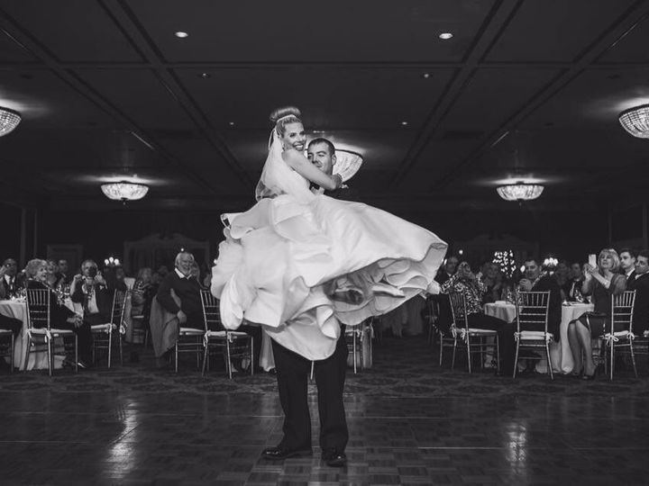 Tmx 1519835722 7ba4edc6e15cdd20 1464199611039 Dance Floor Newport, RI wedding venue